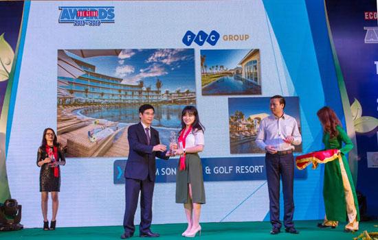 Đại diện FLC Sầm Sơn nhận giải thưởng kiến trúc đẹp nhất tại lễ trao giải uy tín The Guide Awards