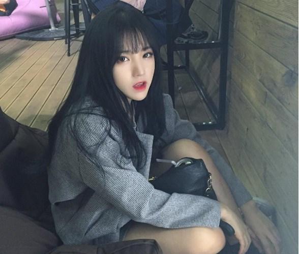 Hot girl ma lum xinh nhu bup be khuay dao mang Instagram